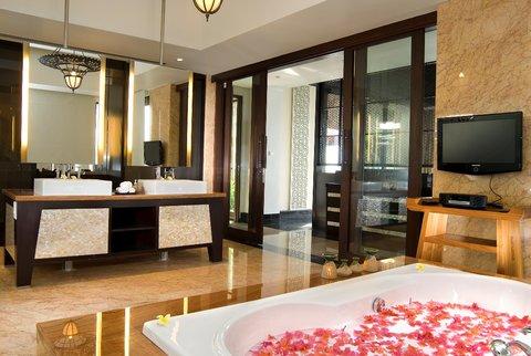 بانيان تري أونغاسان - Pool Villa Garden View Bathroom