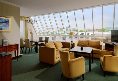 Heidelberg Marriott Hotel - Executive Suite - Living Area