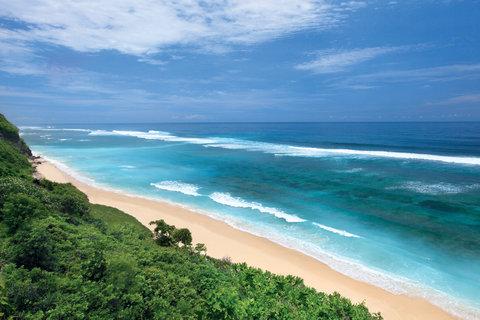 بانيان تري أونغاسان - Melasti Beach Jpg
