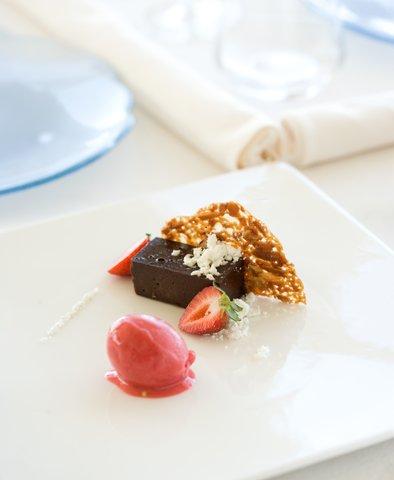 بانيان تري أونغاسان - Dessert Soft Chocolate Cake