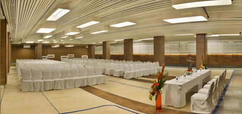 The Gateway Hotel Akota - Interior