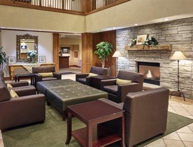 Howard Johnson-Plaza Hotel