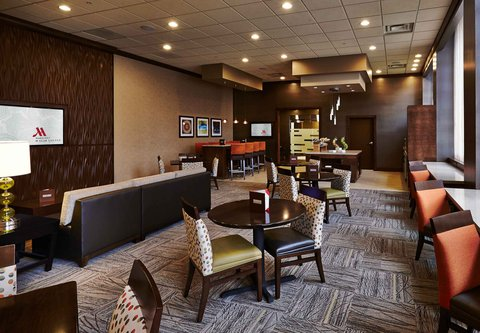 Columbus Airport Marriott - M Club Lounge
