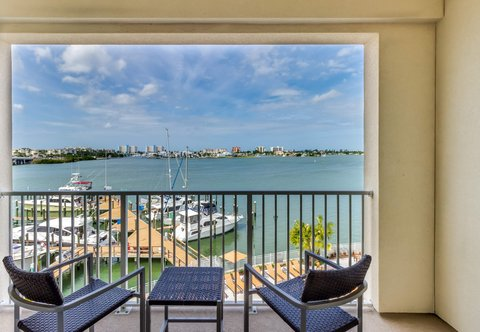 Courtyard St. Petersburg Clearwater/Madeira Beach - Guest Room - Waterfront View