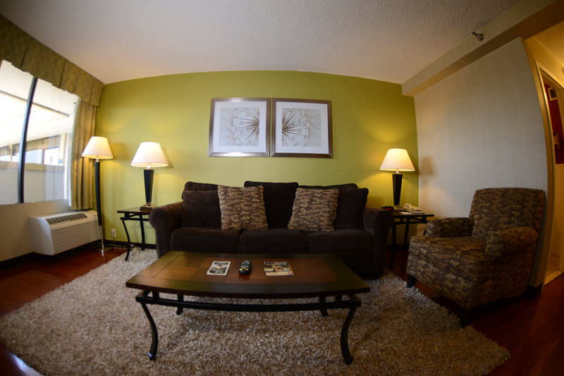 BEST WESTERN Mill River Manor - Rockville Centre, NY