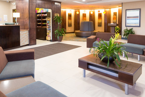 Holiday Inn Resort DAYTONA BEACH OCEANFRONT - Stylish Lobby with Plenty of Space for Meeting Friends and Family