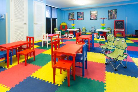 Holiday Inn Resort DAYTONA BEACH OCEANFRONT - Children s Activity Center features whimsical decor