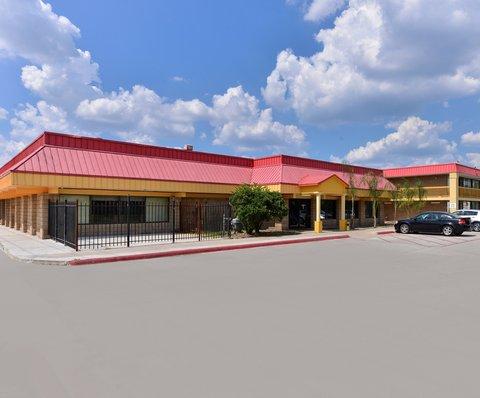 Americas Best Value Inn / I-45 North Houston - Exterior