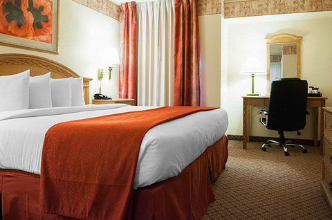 Quality Inn & Suites Albuquerque - NMNK