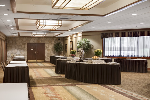 Holiday Inn Hotel & Suites DES MOINES-NORTHWEST - Pre-function Area