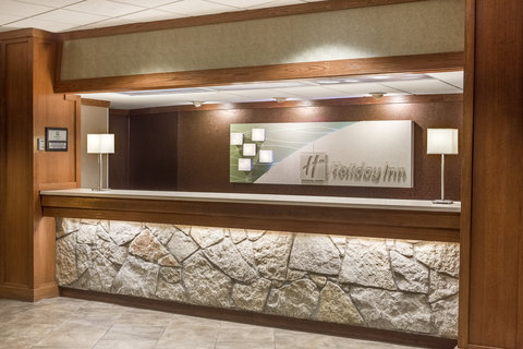 Holiday Inn Hotel & Suites DES MOINES-NORTHWEST - Front Desk