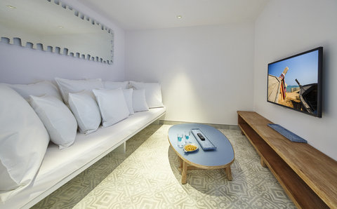Point Yamu By Como - Point Yamu Suite TV Room
