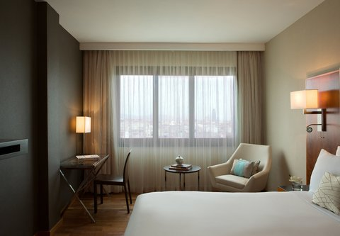Renaissance Barcelona Hotel - Queen Guest Room
