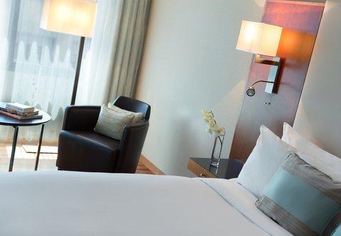 Renaissance Barcelona Hotel - Executive King Guest Room