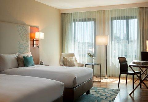 Renaissance Barcelona Hotel - Executive Twin Twin Guest Room