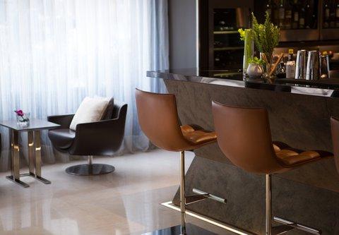 Renaissance Barcelona Hotel - CUIT Restaurant   Lounge Bar