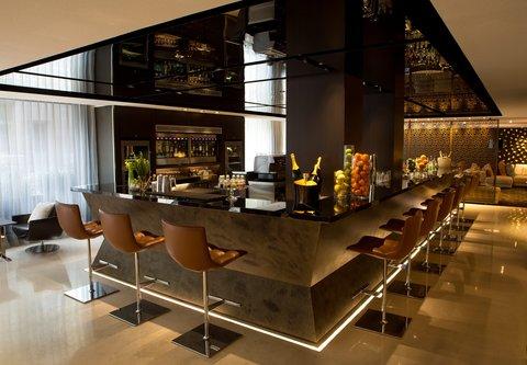 Renaissance Barcelona Hotel - CUIT Restaurant   Lounge