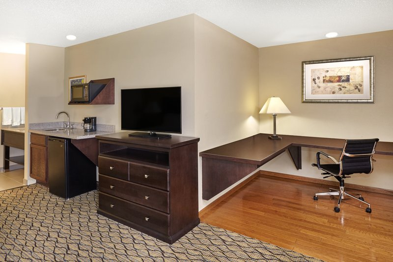 Holiday Inn Express & Suites CHICAGO-LIBERTYVILLE - Libertyville, IL
