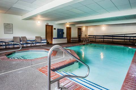 Quality Inn & Suites Pacific - Auburn - Pool