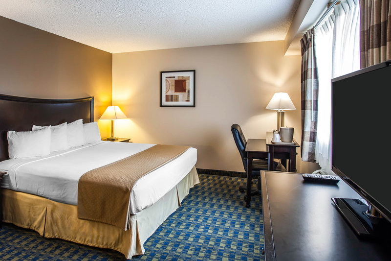 Quality Inn & Suites Pacific - Seattle