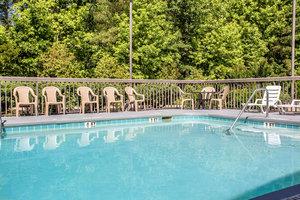 Pool - Quality Inn Dillon