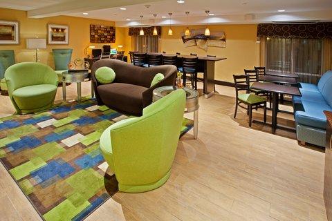 Holiday Inn Express BOWLING GREEN - Great Room at Holiday Inn Express