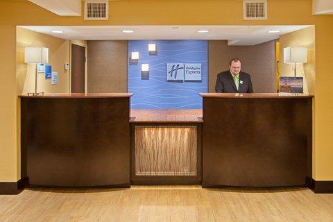 Holiday Inn Express BOWLING GREEN - Holiday Inn Express - Front Desk