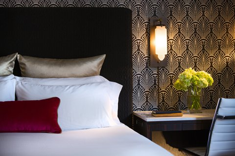 Allegro Chicago A Kimpton Htl - Guestroom Typical King Details