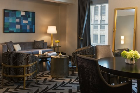 Allegro Chicago A Kimpton Htl - Suite Bedroom Living