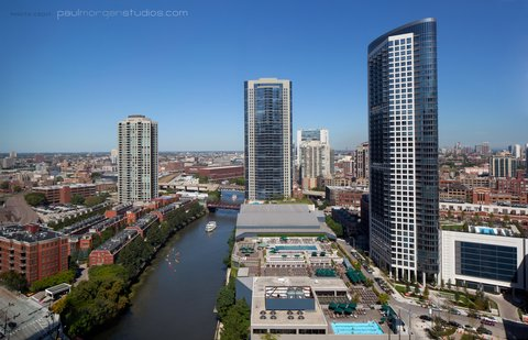 Holiday Inn Chicago Mart Plaza Hotel - Cityscape Views