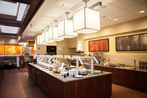 Holiday Inn Chicago Mart Plaza Hotel - Merchants Cafe Breafast Buffet