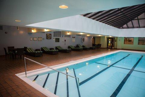Holiday Inn Chicago Mart Plaza Hotel - Indoor Atrium Swimming Pool