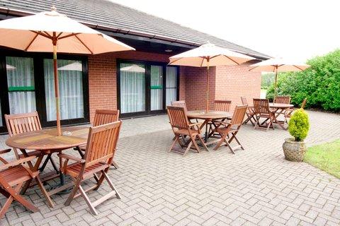 Holiday Inn A55 CHESTER WEST - Vivaldi Suite Garden