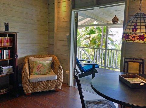Sea U Guest House - Top Floor Apartment Living