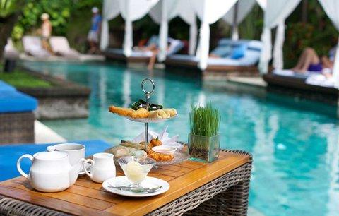 伊利森别墅酒店 - Afternoon Tea at RushBamboo Poolside Restaurant