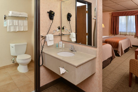 Comfort Inn Butte - Bathroom area