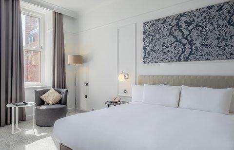Hilton Brighton Metropole - Refurbished King guest room