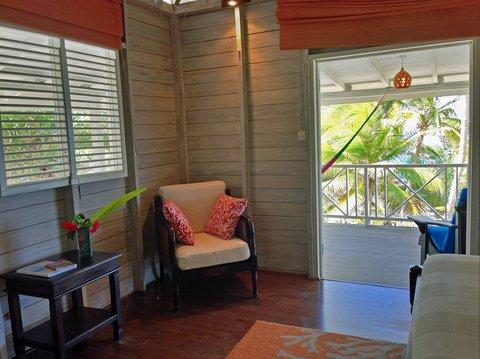Sea U Guest House - Top Floor Suite Chair