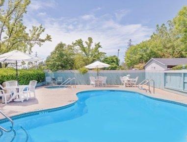Super 8 Auburn Ca - Pool