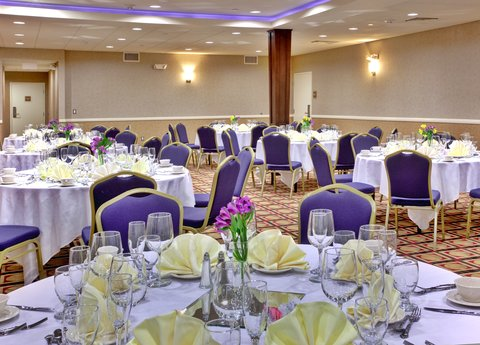 Holiday Inn Hotel & Suites ANAHEIM - FULLERTON - Royal Ballroom - for that special occasion