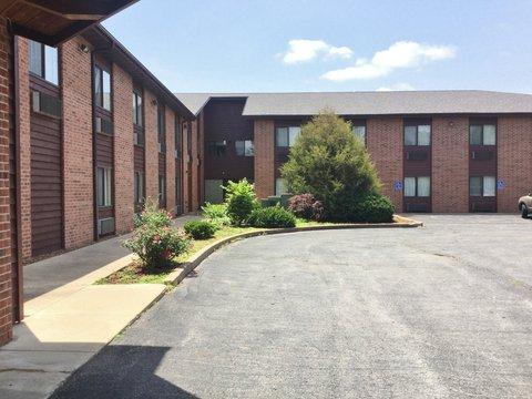 Country Hearth Inn Fulton - Exterior