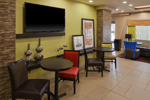 Holiday Inn Express CRESTWOOD - Watch your favorite show in the lobby lounge