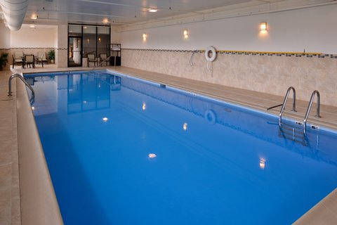 Holiday Inn Express CRESTWOOD - Swim to your heart s content in Crestwood  IL