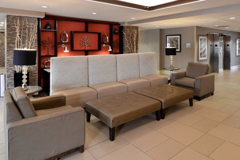 Holiday Inn Express CRESTWOOD - Relax in our Crestwood hotel lobby while waiting for friends
