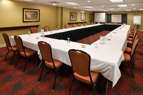 Holiday Inn Express CRESTWOOD - Hold productive meetings near Crestwood  IL