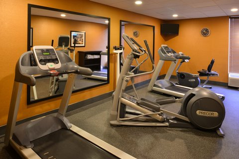 Holiday Inn Express CRESTWOOD - Work out in our Crestwood Fitness Center 24 7