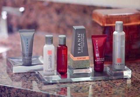 Atlanta Marriott Century Center/Emory Area - Concierge Guest Bathroom Amenities
