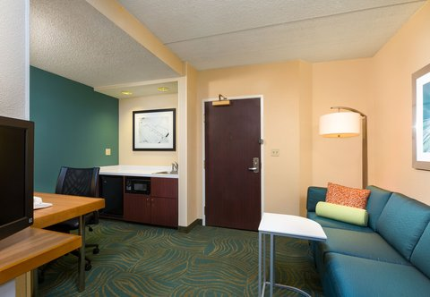 SpringHill Suites by Marriott Austin South - King Suite - Living Area