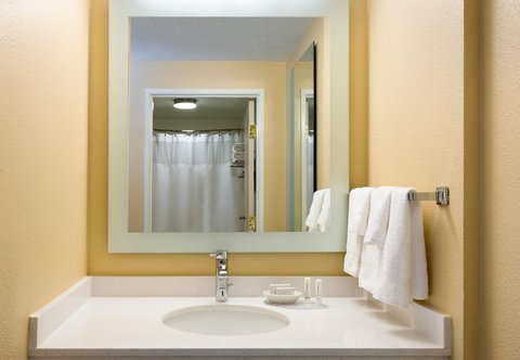 SpringHill Suites by Marriott Austin South - Standard Suite Bathroom