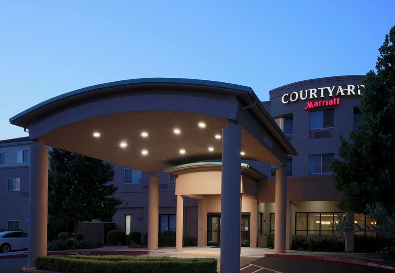 COURTYARD CHICO MARRIOTT